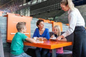 Hapje eten bij Museum Beeld en Geluid