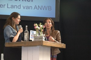 Carin van Berkel licht de  ANWB strategie toe