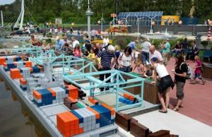 Madurodam: containers laden Rotterdamse haven