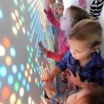 Speelwand wint innovatie-award voor de zorg