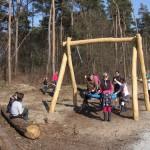 Natuurspeelbos in Urk geopend