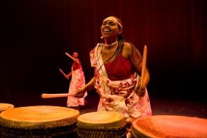 Rwandese drumgroep Ingoma Nshya trad in 2012 op, voorafgaand aan de Nederlandse IDFA première van 'Sweet Dreams'.