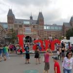 Amsterdam vol en vuil?