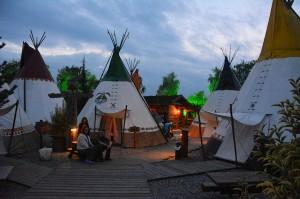 Ook kamperen behoort tot de mogelijkheden; maar dan wel met een bijzondere beleving.