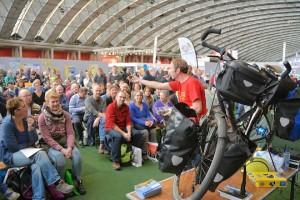 Op de Fiets- en Wandelbeurs was er bijzonder veel belangstelling voor de lezingen over bijzondere fiets en wandelreizen.