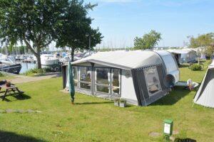 combinatie jachthaven met camping blijkt goed te werken op Wolderwijd.