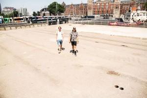 projectleiders Max (l) en Joost (r) op de locatie