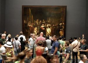 Publiek bij Nachtwacht in het Rijksmuseum