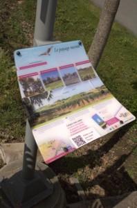 informatiepaneel over een wijngebied