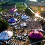 Grote veiling van festivaltenten en aanverwante voorzieningen